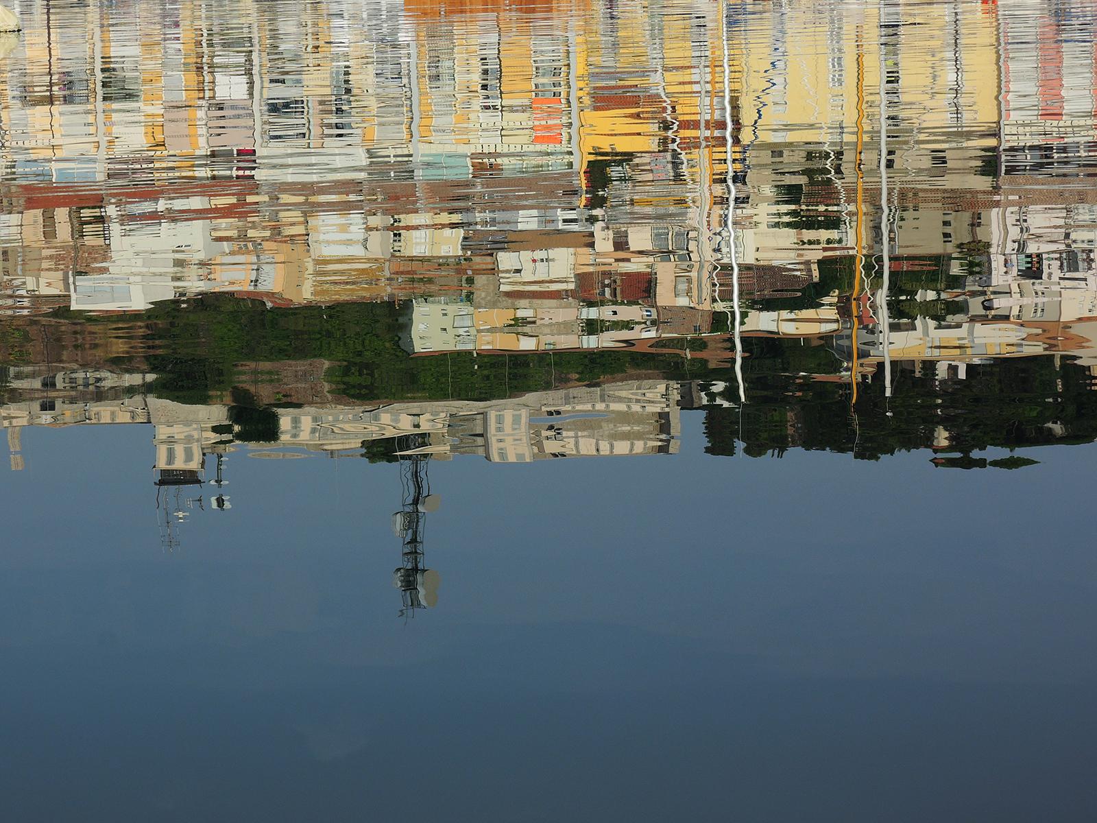 Port-de-Sete-reflections-dans-l'eau