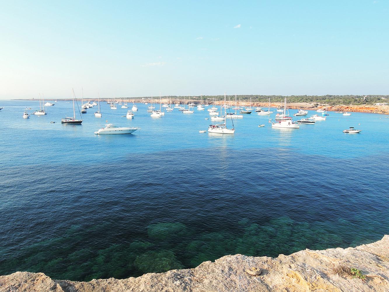 Formentera-Cala-Saona-a-busy-cala-in-summer