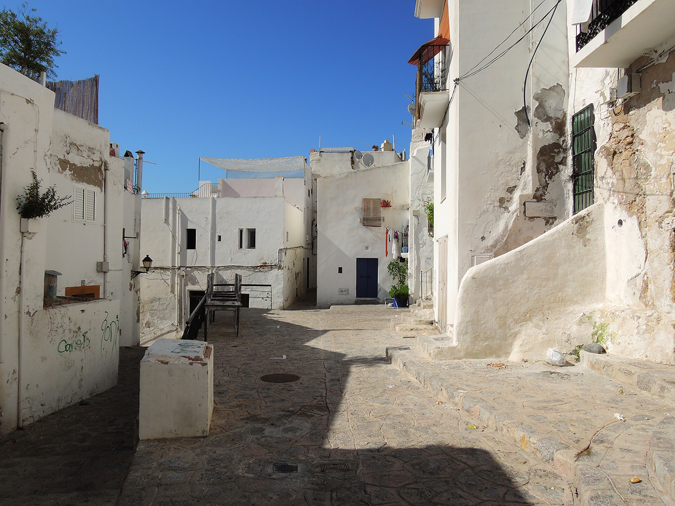 Ibiza-Town-old-town-white-houses